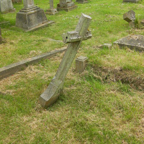 1915 grave marker, unrecognised in 2017 | Dawn Sedgwick