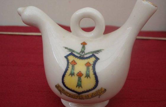 Souvenir pot with St Margaret's Coat of Arms