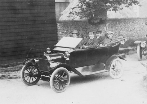Photograph of Winn family in car