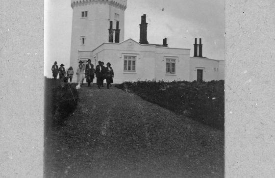 Girl Guides standing outside South Foreland Lighthouse in 1924