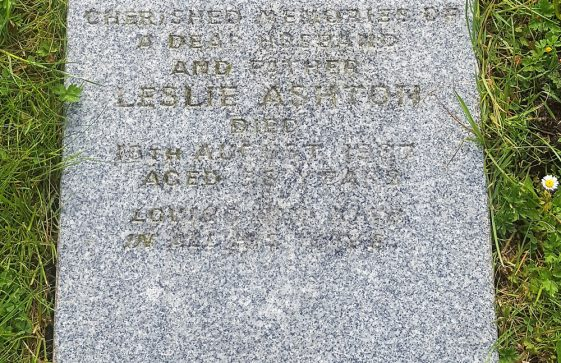 Gravestone of ASHTON Leslie 1987