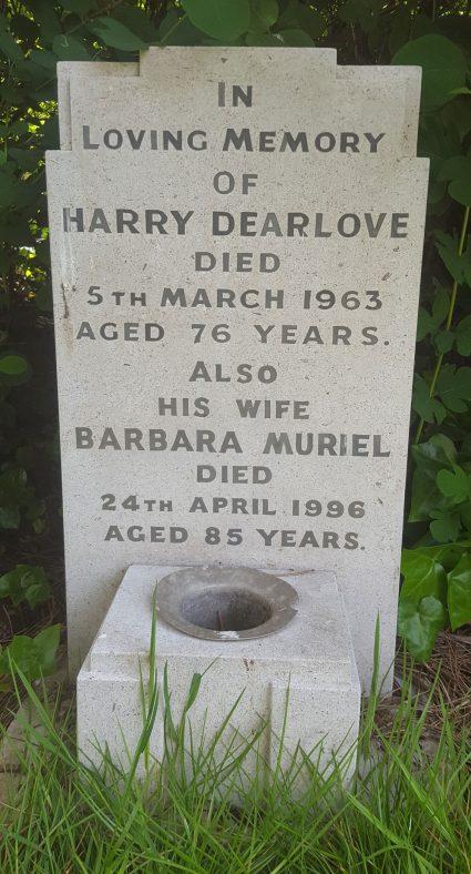 Gravestone of DEARLOVE Harry 1963; DEARLOVE Barbara Muriel 1996 | Dawn Sedgwick
