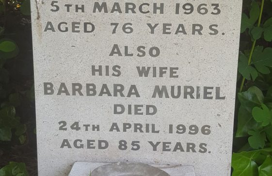 Gravestone of DEARLOVE Harry 1963; DEARLOVE Barbara Muriel 1996