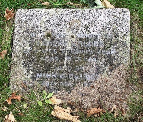 Gravestone of GOLDER Robert Morris 1938; GOLDER Minnie 1943