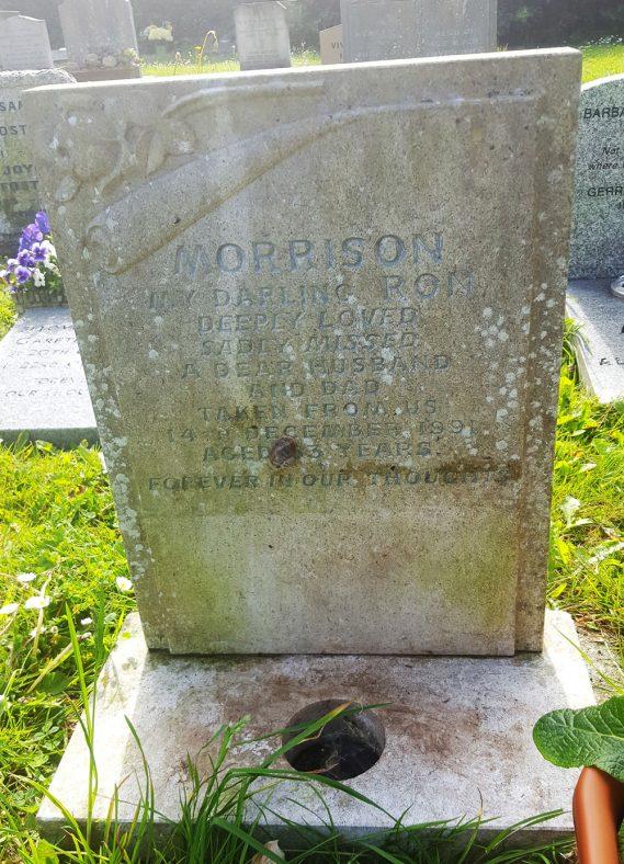 Gravestone of MORRISON Ronald 1991 | Dawn Sedgwick