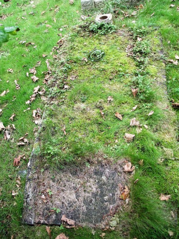 Gravestone of SHORTER Geoffrey Richard Hurst 1958 | Dawn Sedgwick