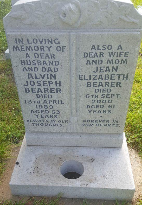 Gravestone of BEARER Alvin Joseph 1989; BEARER Jean Elizabeth 2000   Dawn Sedgwick