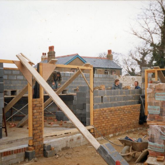 Construction of The Barn, Chapel Lane. 1986-1987