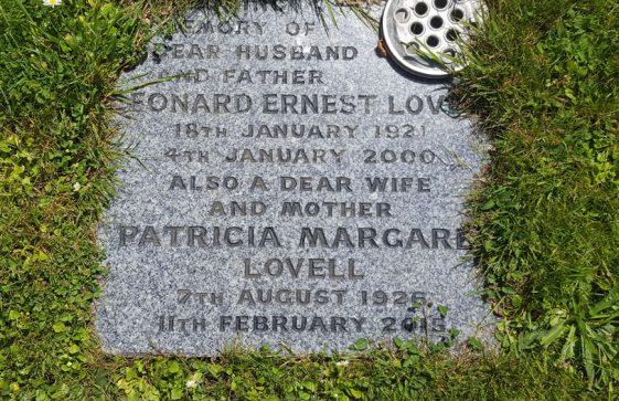 Gravestone of LOVELL Leonard Ernest 2000; LOVELL Patricia Margaret 2015