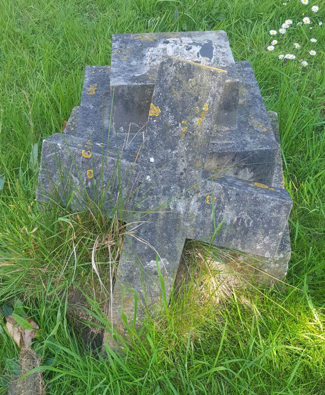 Gravestone of DILNOT Elizabeth Hammond 1901; DILNOT Thomas 1902 | Dawn Sedgwick