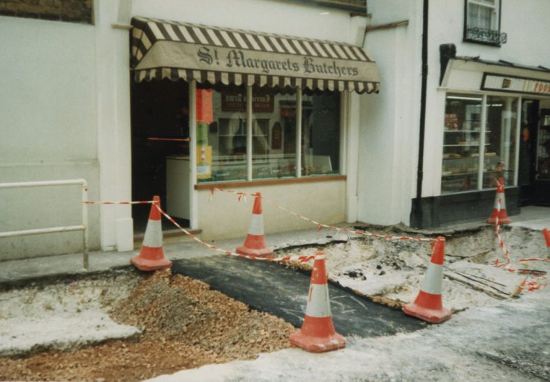 Road works in the High Street - June 1986