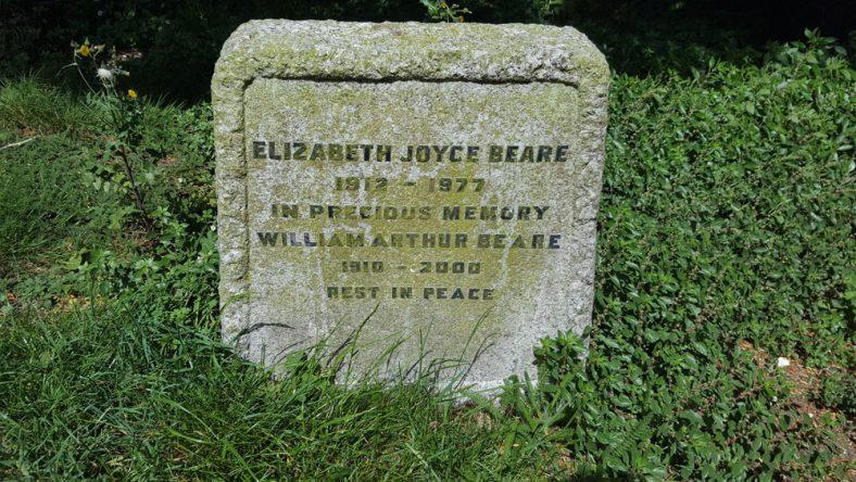 Gravestone of BEARE Elizabeth Joyce 1977; BEARE William Arthur 2000 | Dawn Sedgwick