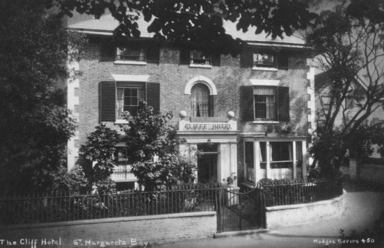 Cliffe Hotel front entrance. 1959