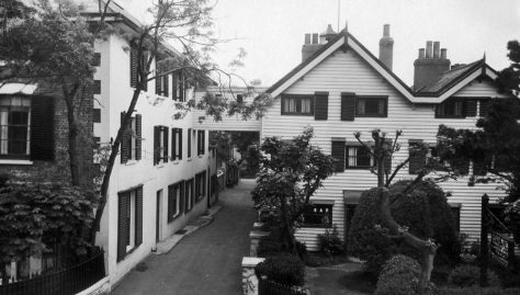 Cliffe Hotel and walkway over Cripps Lane  Early 20th century