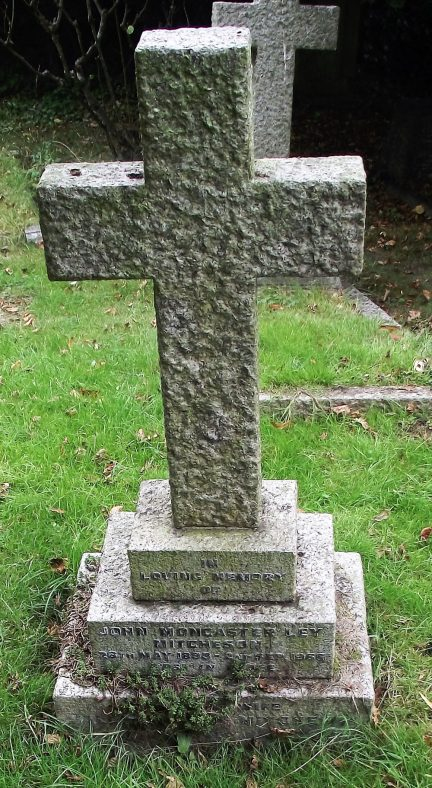 Gravestone of MITCHESON John Moncaster Ley 1966; MITCHESON Valerie Violet 1971 | Dawn Sedgwick
