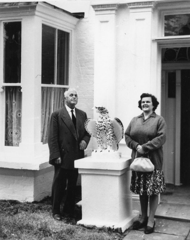Gordon Denoon with his daughter Joan outside the Cliffe Hotel in 1926 and 1968