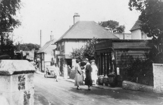 High Street outside Arcadia Stores. c1920s.