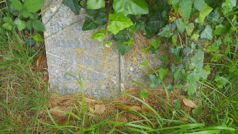 Gravestone of GEALER John 1976; GEALER Violet May 1985   Dawn Sedgwick