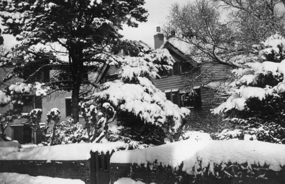 Cliffe Hotel in winter, 1955