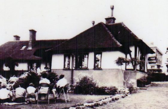 Corner House Tea Garden, Bay Hill. c1930
