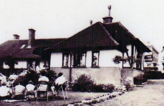 Corner House Tea Garden, Bay Hill. c1930