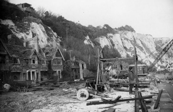 Constructing the replacement sea wall and promenade in the Bay, c.1951/2