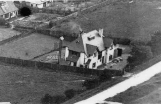 The Gatehouse, Salisbury Road. Aerial photograph. early 20th century
