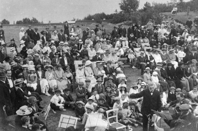 A Concert in Salisbury Road c.1920/21