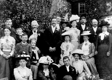 Wedding of Alice Clayson and Wallace Newman on 8 June 1901