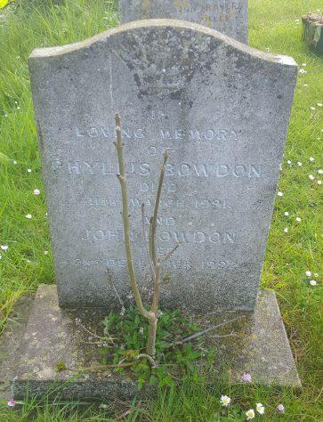 Gravestone of BOWDEN Phyllis 1990; BOWDEN John 1992