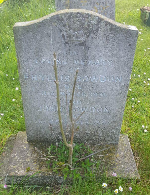 Gravestone of BOWDON Phyllis 1990; BOWDON John 1992 | Dawn Sedgwick
