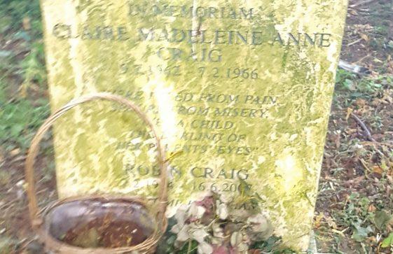 Gravestone of CRAIG Clair Madelaine Anne 1966; CRAIG Robin 2007