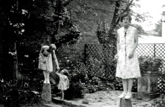 Hilda Galley with Joan Denoon at Cliffe Hotel. c.1926