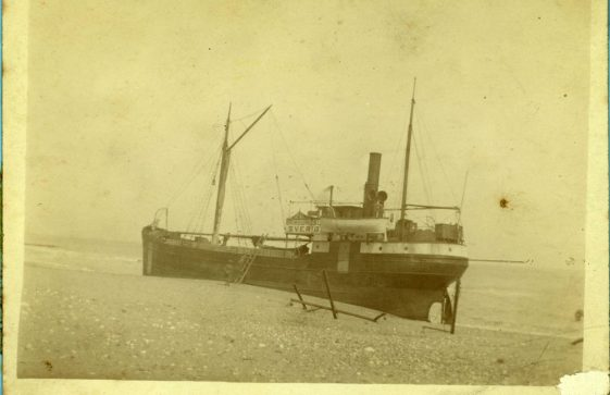 Vessels aground. early 20th c