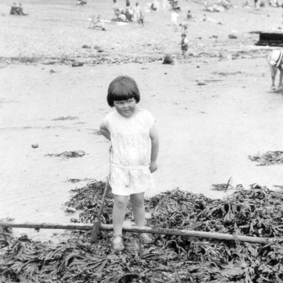 Denoon summer holiday on St Margaret's Bay beach. 1926 (Part 2)