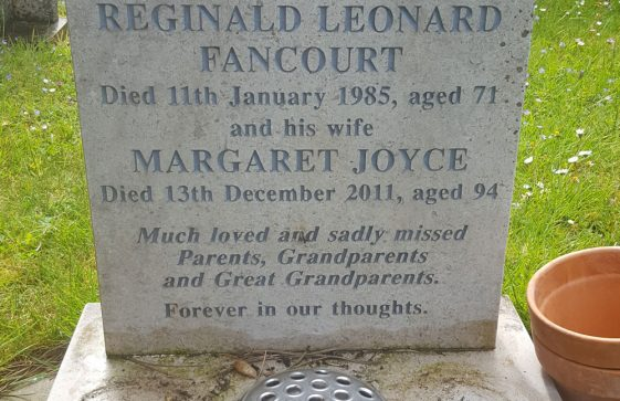 Gravestone of FANCOURT Reginald Leonard 1985; FANCOURT Margaret Joyce 2011