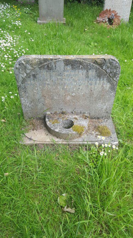 Gravestone of FLINDALL Frances Ethel 1977 | Dawn Sedgwick