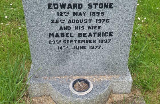 Gravestone of STONE Edward 1976; STONE Mabel Beatrice 1977