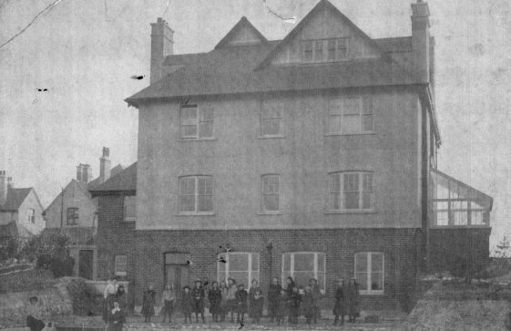 Penlee School, The Droveway, photograph of pupils. 1906