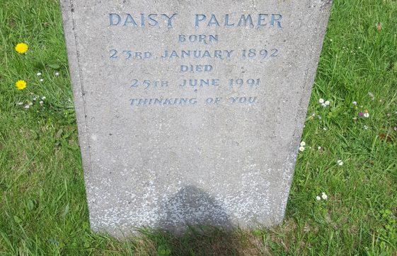 Gravestone of PALMER Daisy 1991