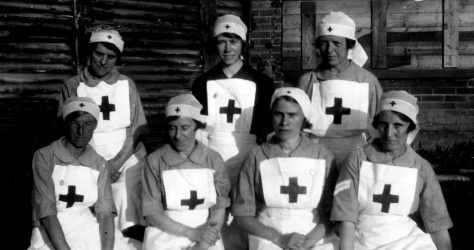 Annie Sharpe and other Red Cross nurses