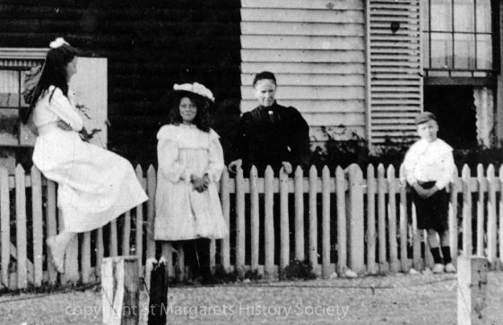 Beechin and Eglinton Cottages in the Bay with five people. c1906
