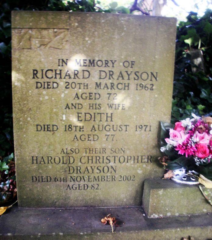 Gravestone of DRAYSON Richard 1962; DRAYSON Edith 1971; DRAYSON Harold Christopher 2002 | Dawn Sedgwick