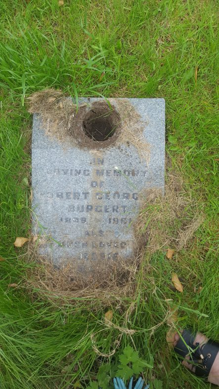 Gravestone of BURGERT Robert Georges 1981; BURGERT Jessie Ena Margaret 2000 | Dawn Sedgwick