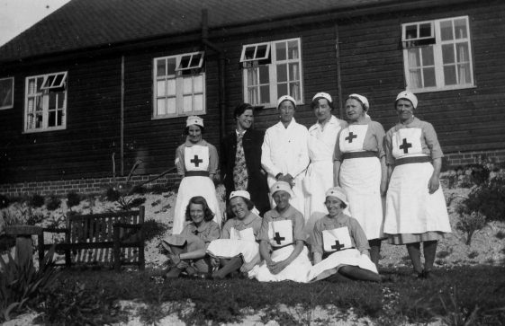 Annie Sharpe and Red Cross nurses.