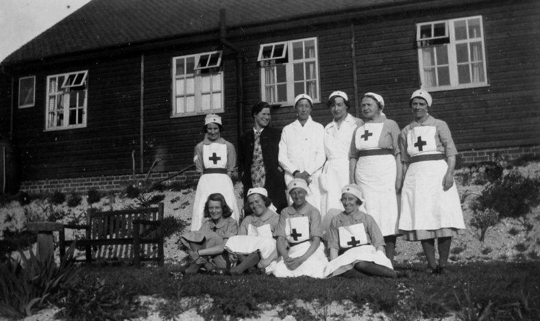 Annie Sharpe and Red Cross nurses.