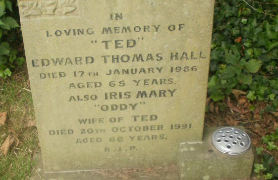 Gravestone of HALL Edward Thomas 1986; HALL Iris May 1991