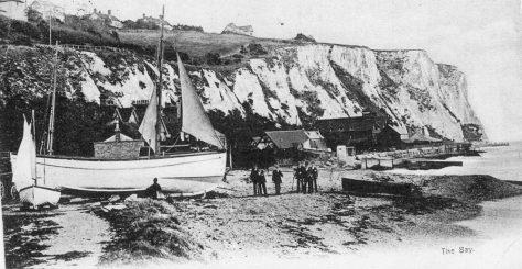 Boats on St Margaret's Bay beach. 1905 - 1907