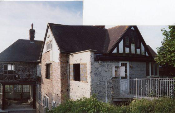 Corner Cottage East, Granville Road, Studio Flat. 20 May 2009