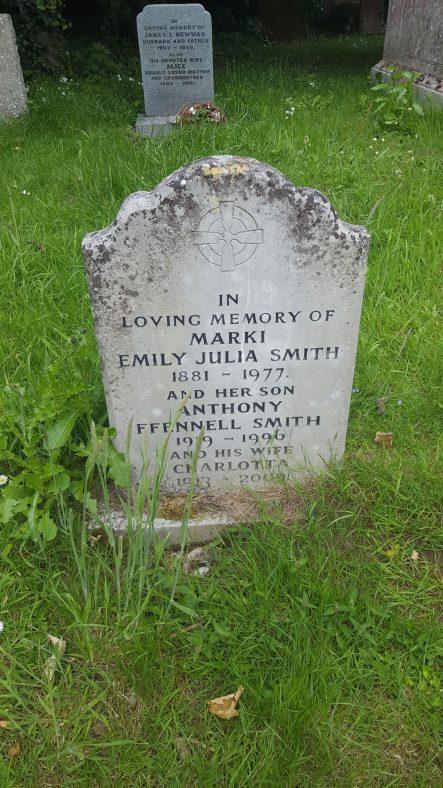 Gravestone of SMITH Marki Emily Julia 1977; FFENNELL SMITH Anthony Collingwood 1996; FFENNELL SMITH Charlotte 2009 | Dawn Sedgwick